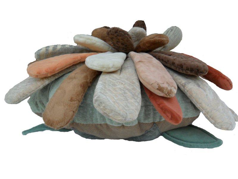 Изготовление декор. подушки Дубок