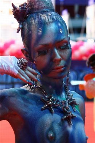 Great body art on the bodies of beautiful women.
