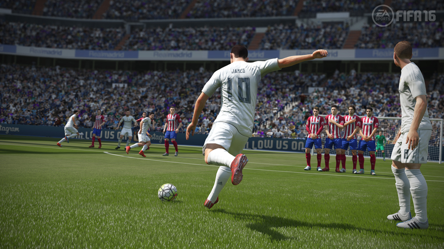 FIFA 16 Deluxe Edition + GIFTS